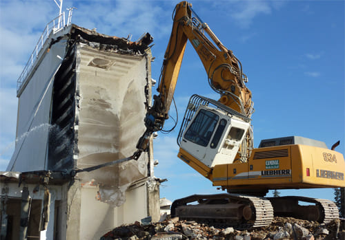 Démolition d'un bâtiment industriel